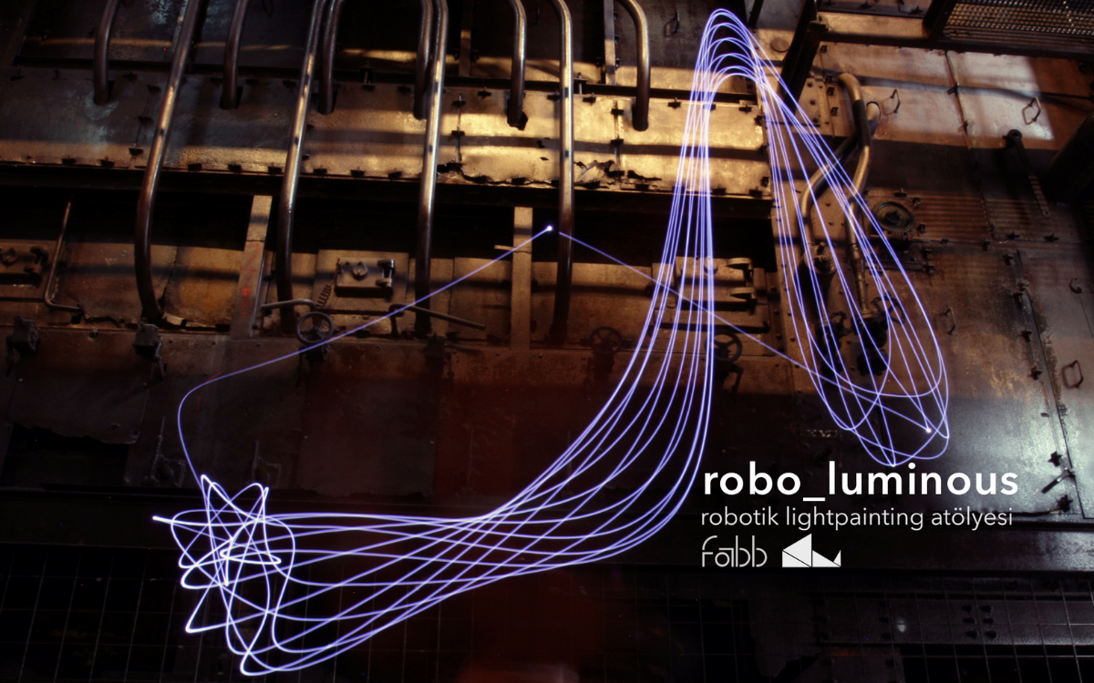 Robotic LightPainting Workshop with KUKA